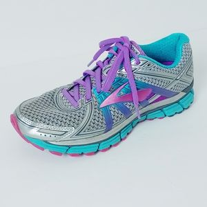 Brooks Adrenaline DNA GTS Seventeen. Size 10